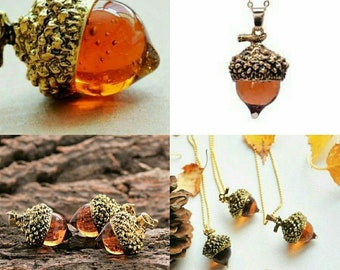 Vintage Style AMBER GLASS ACORN Pendant Necklace Antique Bronze / Or Silver / Chain Included.