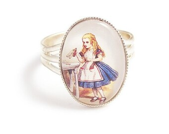 Adorable Alice in Wonderland ring DRINK ME Adjustable silver plated