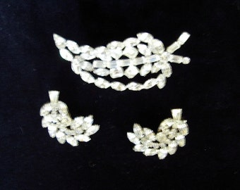 Sale! 50s WEISS Set Rhinestone Dimensional Leaf Brooch/Earrings Mint Condition  Item # 842  Jewelry