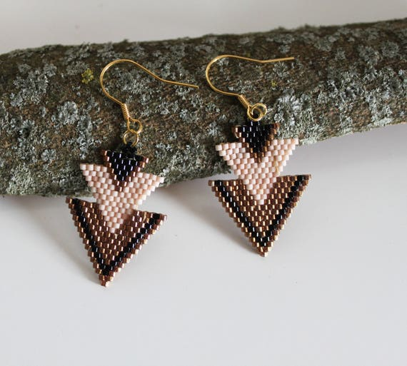 Beadwoven earrings, dangle earrings, pink earrings, old gold,