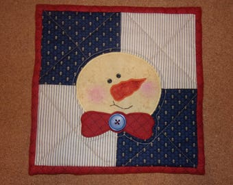 Country Kitchen Quilted Scrappy Christmas SNOWMAN Table Topper Candle Mat Snack Mat Hot Pad Trivet