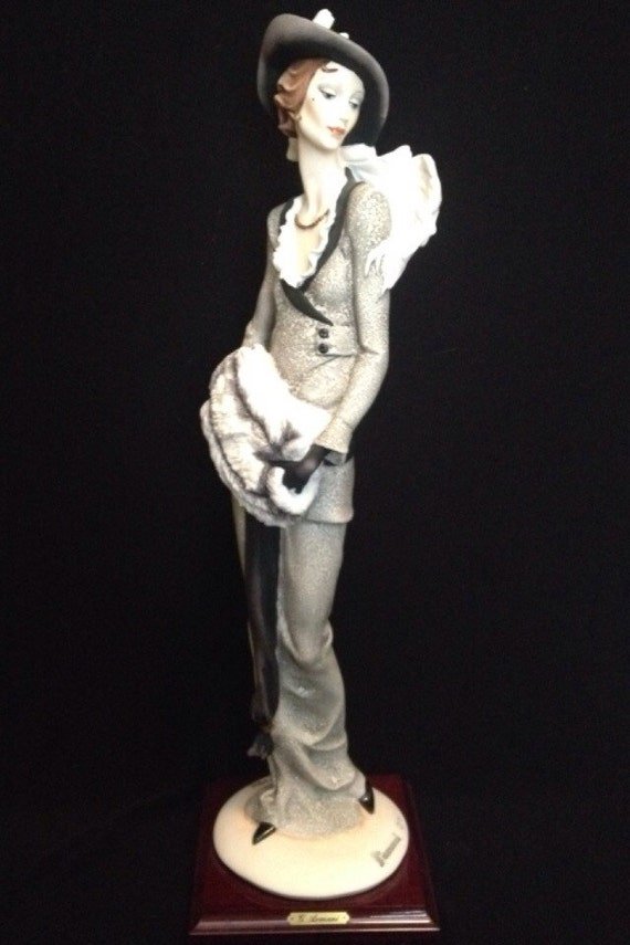 FREE SHIPPING-Fabulous-Made In Italy-Giuseppe Armani-388-C-The Muff-Limited Edition-2158/5000-Sculpture