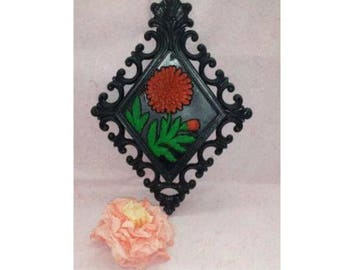 Vintage, Homco, Red Orange Flower Wall Plaque, Black, Red, Flower Wall hanging,Vintage Home Interior, Floral Plaque, Upcycled