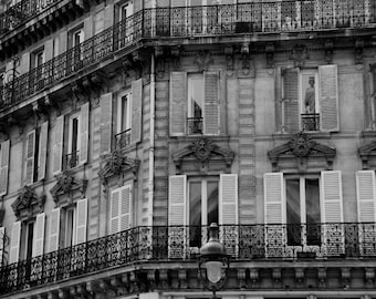 PARIS PHOTOGRAPHY - Paris window