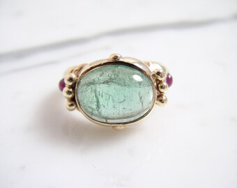 Vintage Green Beryl and Ruby Cabochon Ring 14k Yellow Gold Ring Size 5.75