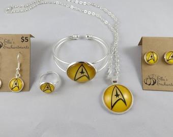 Star Trek Original Series Jewelry Set - Yellow Combadge