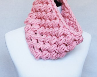 Pink Crochet Cowl, Light Pink Puff Stitch, Chunky Crochet Cowl, Bobble Neck Warmer, Infinity Scarf - Giant Bobble, Light Pastel Pink