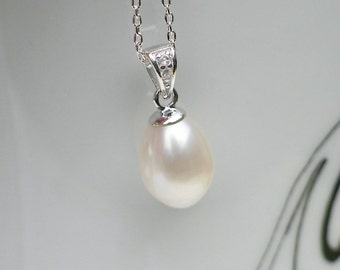 Pearl Pendant Necklace | Warm White Freshwater Teardrop Pearl | Sterling Silver Chain | Bridal Pearl Jewelry | Birthday Gift | Ready to Ship