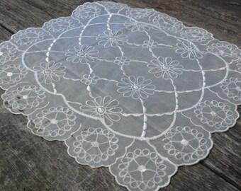 Square doily - vintage table linen