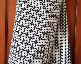 Nursing Cover up (Breastfeeding blanket) Black & White