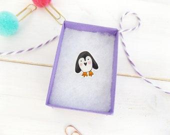 Penguin pin. Penguin badge. Penguin brooch. Cute penguin pin. Cute penguin badge. Penguin jewellery. Kawaii. Animal jewellery.