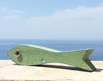 """Pesce tipo """"Acciuga"""" in legno di recupero colorato - pezzo singolo"""