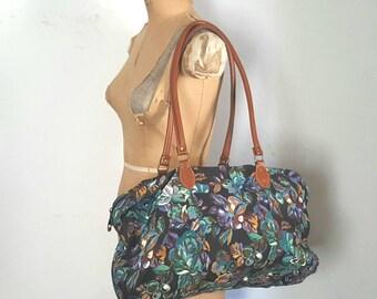 Floral MARKET TOTE / 1990s Travel Bag / duffel weekender