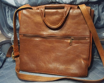 Vintage HoBo International messenger/Cross Body Bag