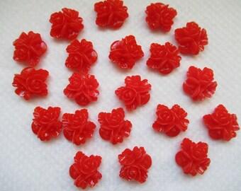 CAMEES FLEURS ROUGES lot de 20 camées 2 cm motif 3 fleurs en résine couleur rouge a coller sur tous supports pour création