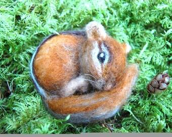 Needle Felted Chipmunk. Life Sized Baby Chipmunk Felted. Wool Felt Chipmunk. Felted Animals. Woodland Animal. Animal Needle Felted