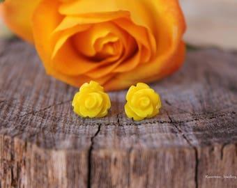 Rose Stud Earrings. Resin Rose earrings.Hypoallergenic.Yellow earrings. Rockabilly earrings. Retro earrings. Flower earrings. Gift for her.