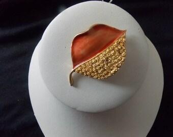 BSK Signed Gold Tone & Coral Enamel Leaf Brooch Pin #E5