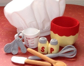 Be A Baker Set Felt Play Food PDF Pattern- Chef Hat, Mixing Bowl, Measuring Cup, Spoons, Wooden Spoon, Spatula, Whisk, Salt Pepper Shakers