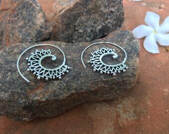 Earrings Boomerang Trendy Summer from India Rajasthan Boho Boheme Gipsy Silver Metal Love Om Lila Indy