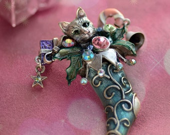 Cat Pin, Christmas Pin, Cat Brooch, Cat Jewelry, Christmas Stocking, Pin, Brooch, Christmas Brooch, Christmas Jewelry, Cat Lover Gift P306