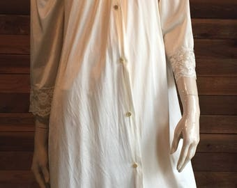 Vintage Lingerie 1970s GILEAD Light Yellow Size Small Peignoir or Robe Style 4931