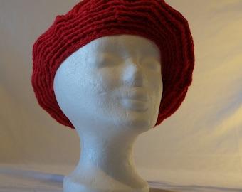 Beautiful, crochet beret with eye-catching pattern