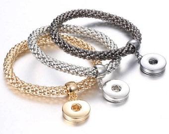 Stretch Metal Snap Bracelet