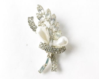 rhinestones and pearls brooch silver-tone baguette stones Unsigned vintage jewelry