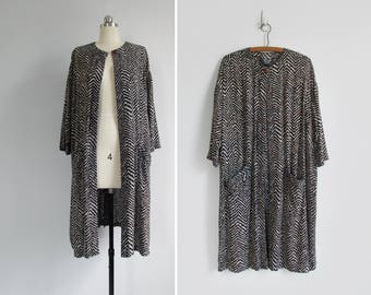 abstract print duster jacket / vintage 90s tunic top with pockets / womens free size