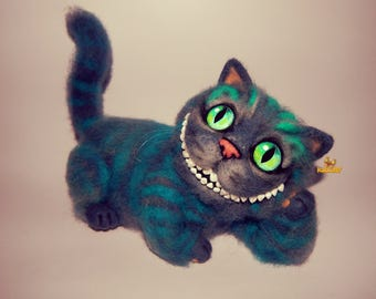 Needle felted handmade Cheshire cat felt cat Alice in Wonderland character cat felt toys Christmas dools gift miniatures sculptures