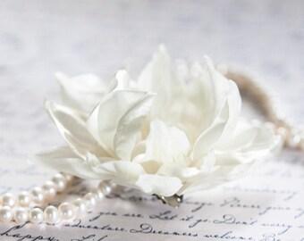 Flower hair accessories, Ivory flower, Flower barrettes, Hair clips flowers, Hair flowers, Wedding hair accessories, Bridal hair clips 71411