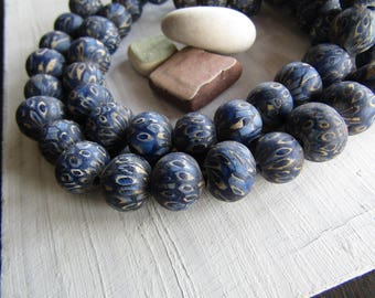 Round lampwork glass beads, blue tone with mozaic motif, opaque multicolored , ethnic boho beads ,  Indonesian 11 to 13mm (6 beads)  7ab