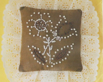 Candlewicking Kit | Vintage Mini Pillow / Pincushion Pattern | Stamped for Hand Embroidery
