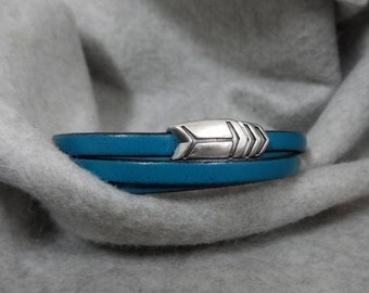 Teal Leather Cuff, Wrap Cuff, Magnetic Clasp, Triple Wrap Leather Cuff, European Leather Cuff,