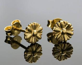 Daisy earrings, Stud Earrings,Flower earrings 925 Sterling Silver, Nature Inspired Flower Earrings. 18K Gold Plated