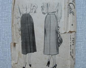 "1950s Skirt - 30"" Waist - McCalls 7275 - Vintage Sewing Pattern"