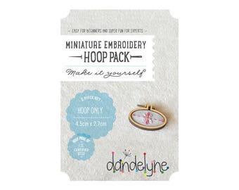 Mini oval Horizontal wood 2.7 embroidery hoop x 4.5 cm - Dandelyne