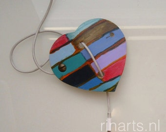 Earbuds / earphone cord keeper / headphone cable organizer HEART in hand painted natural veg tanned leather. Gift under 15