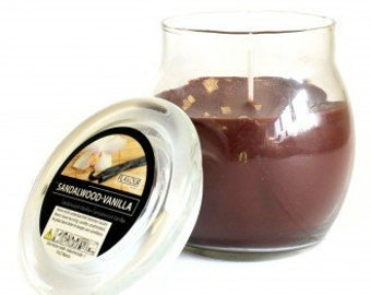 Scented Candle in glass, sandalwood & vanilla
