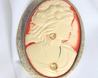 Celluloid Cameo. Cameo Brooch. Cameo Pin. Cameo. POOR GIRLS CAMEO. Celluloid. Habille. 1920s. Art Deco. Brooch. Pin. diy Project.