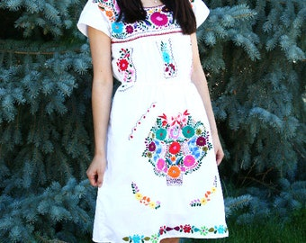 Embroidered Mexican Dress Short