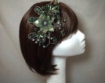 Verde fascinator, fascinator de boda, tocado de oro verde, sombrero verde,