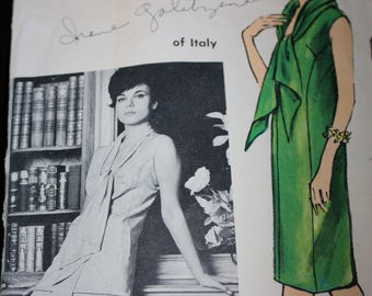 So Chic Vogue Couturier Design Dress, Tunic and Pants Pattern by Irene Galitzine---Vogue 1290 Size 12 Bust 32