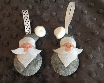 Set of 2 Santa Claus ornaments