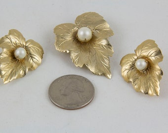 Vintage 1960s Brooch and Clip On Earrings Designed by  Sarah Coventry Single leaf design with a prong set faux pearl in the center