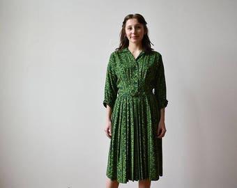 1950s Green Floral Dress / Linen Day Dress /Green Party Dress / Green Vintage Shirt Dress / 1950s Ivy Dress / 1950s Shirt Dress Small