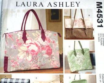 McCall's M4531 - Laura Ashley Pattern - Laptop carry case - Satchel