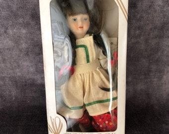 Vintage storybook Gorham Gretel doll in box VT633