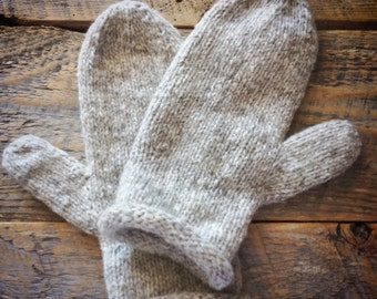 Hand knit natural mittens - gray
